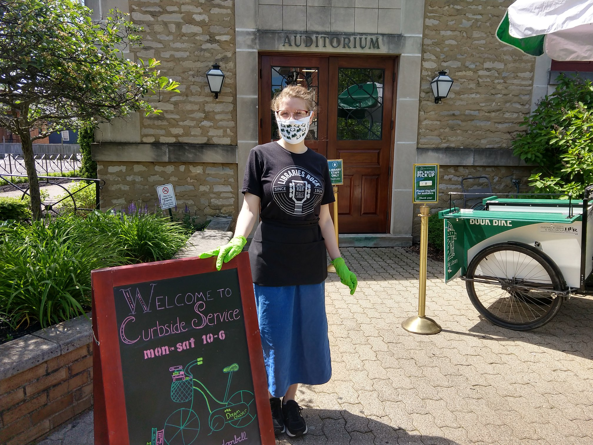 Bexley Public Library employee with branded fask mask