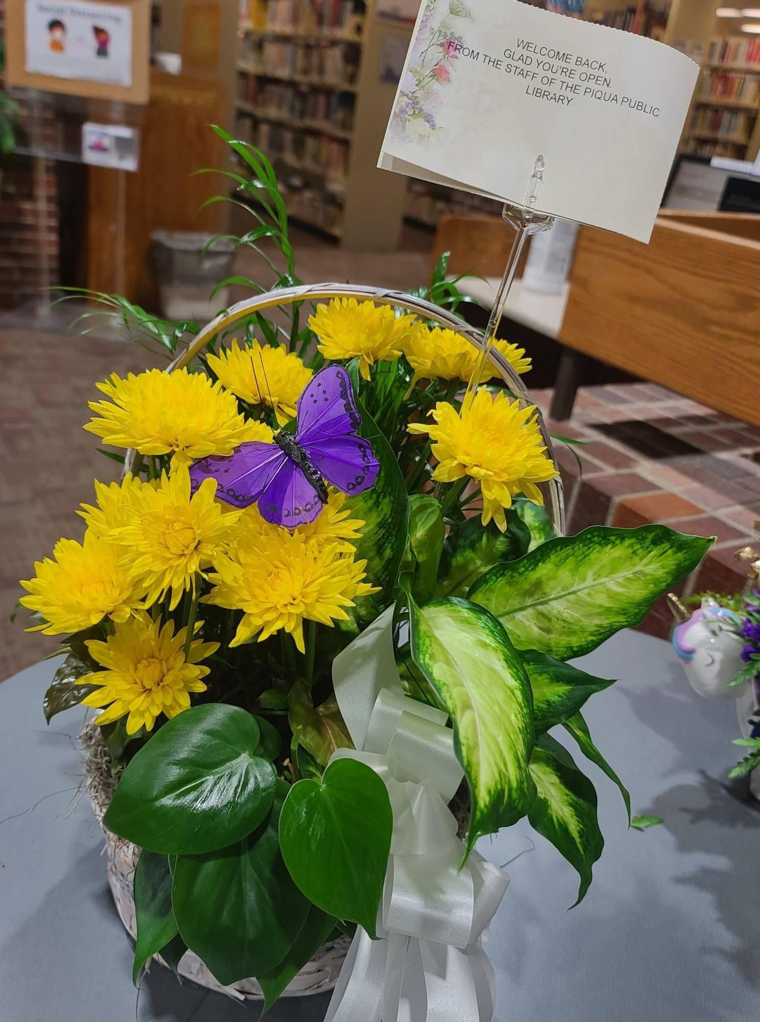 Floral basket photo